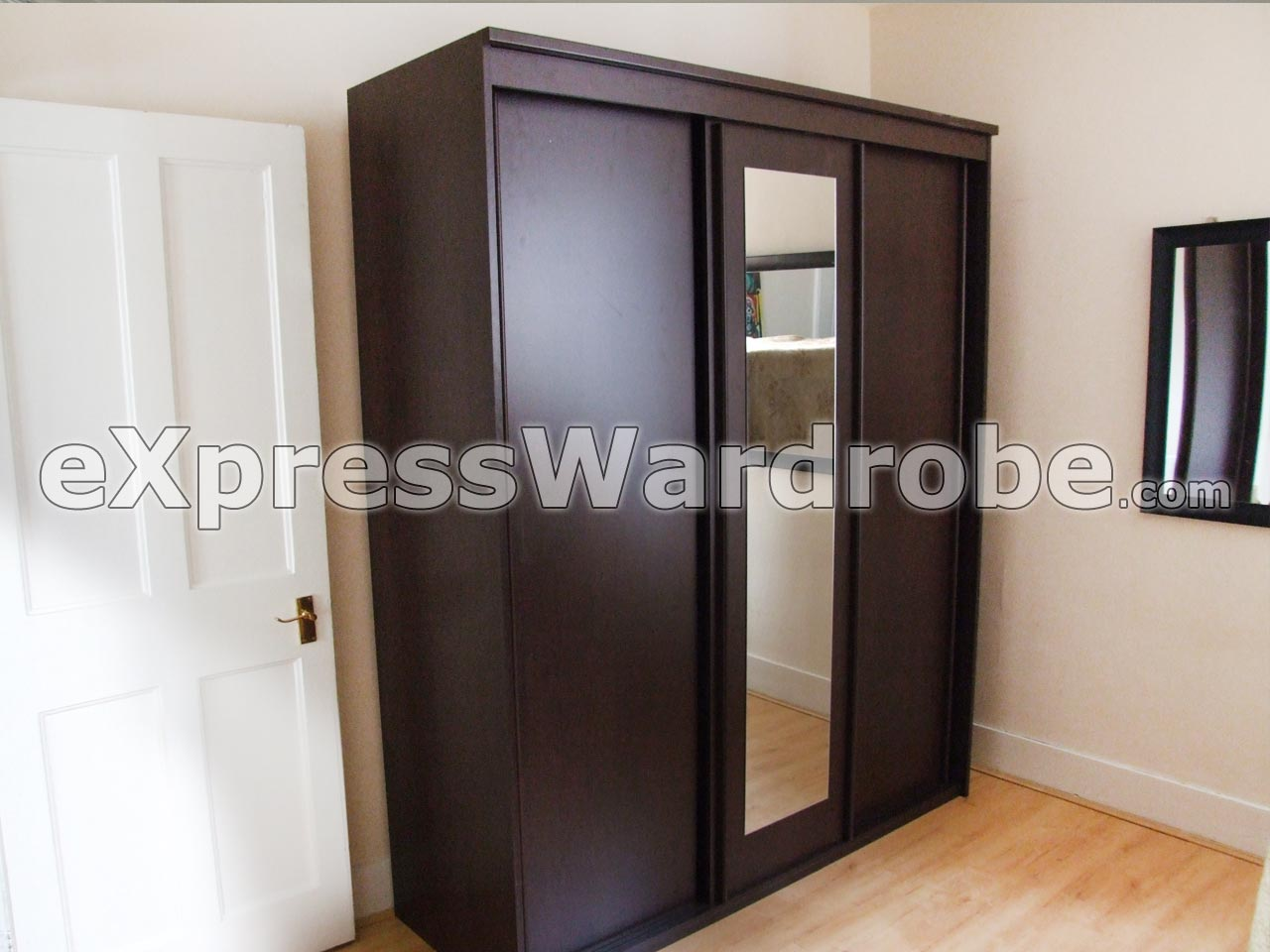 Wardrobes flat pack wardrobes sliding door wardrobes for Sliding glass doors vancouver